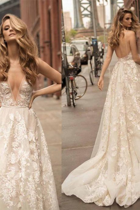 2018 New Arrival Popular Wedding Dress,White Appliques Bridal Dress,Sexy Backless Long Train Wedding Dress