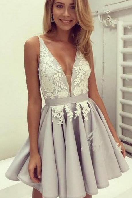 A line Prom Dresses, Silver A-line/Princess Party Dresses, A-line Short Prom Dresses, 2017 Homecoming Dress V-neck Silver Appliques Short Prom Dress Party Dress